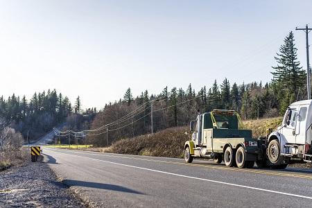semi truck towing findlay